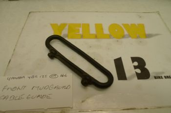 YAMAHA YBR125 BREAKING.  FRONT MUDGUARD CABLE GUIDE  #6  (CON-D)